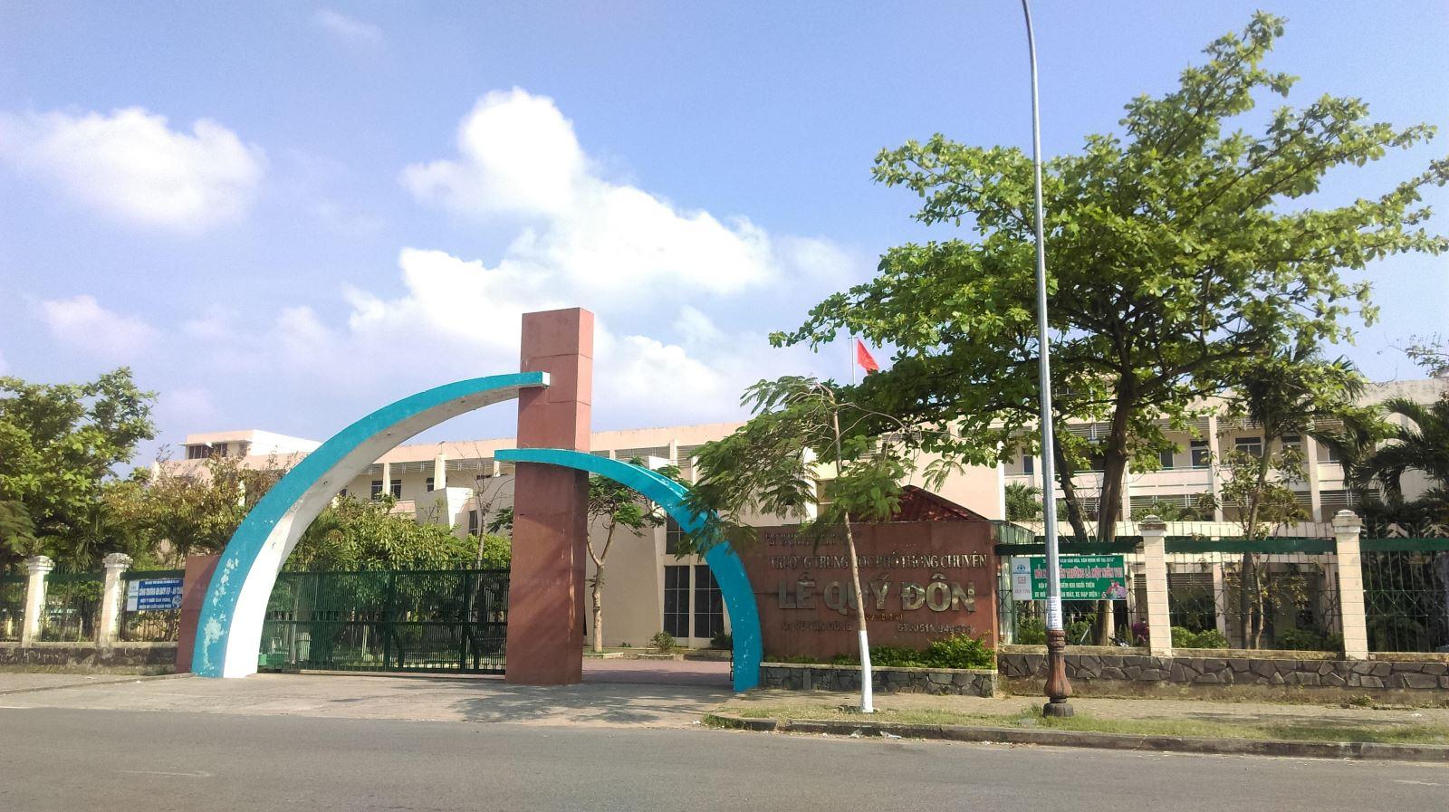 Lắp đặt hệ thống cổng Tripod cho trường THPT Lê Quý Đôn Đà Nẵng