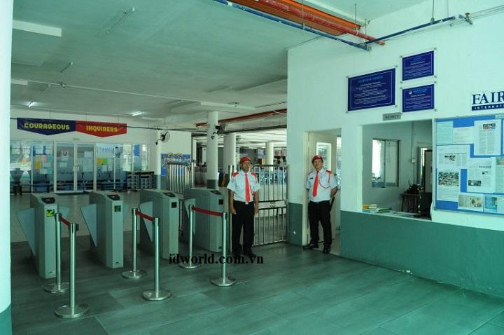 Hệ thống cổng xoay tripod kiểm soát học viên cho trường học
