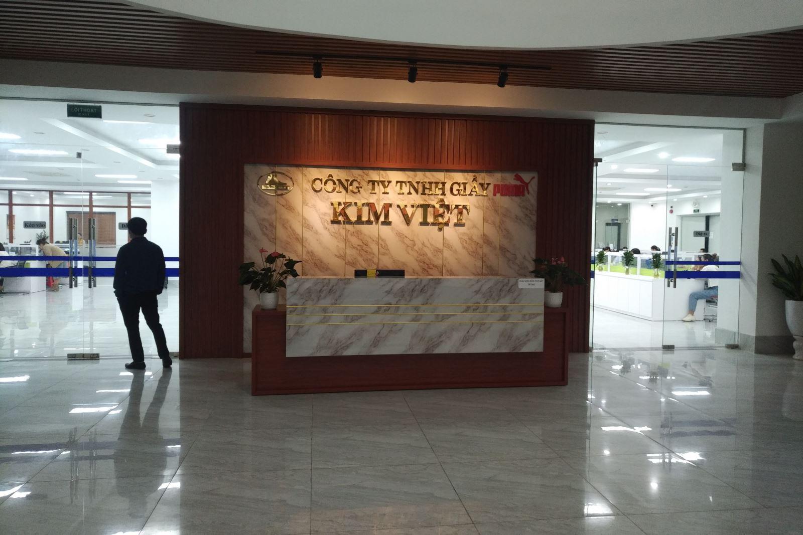 Lắp đặt cổng phân làn đi bộ lần 1 tại công ty TNHH Giầy Kim Việt Thanh Hóa
